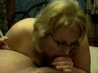 older cougar smokin blowjob