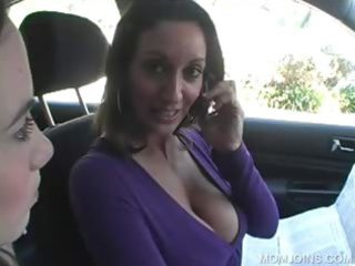 mother i shows fur pie in 6some with daughter