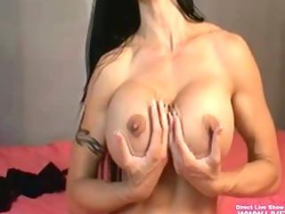breasty pornstar jewels jade showing off her