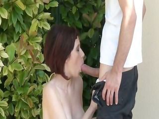 margaux a milf analfucked outdoor