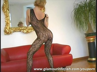 glamour d like to fuck posing in nylons
