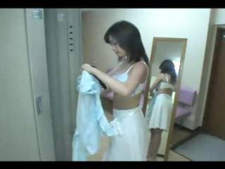japanese sexy milf in locker room x zerone2x