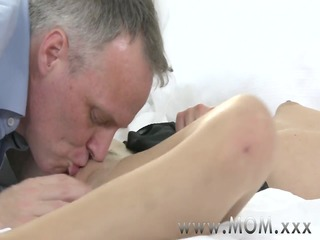 mommy blond mother id like to fuck receives a