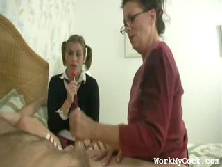 mamma handjob