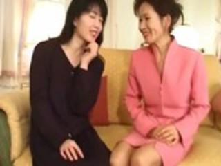 www.clipsexlauxanh.com japanese lesbian milf