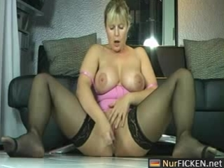 sexy german mother i masturbates and squirts like