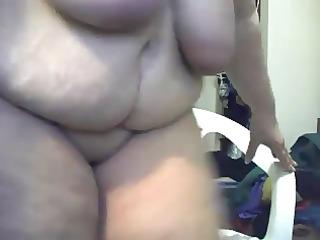 giant gran in a webcam r510