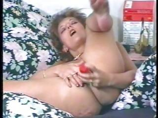 perverted mother i masturbates and uses large toy