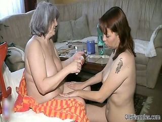 nasty older whore gets horny