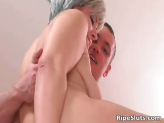excited mature hooker acquires that juicy cunt