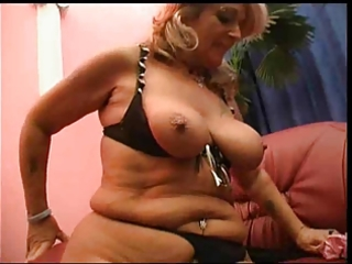 golden-haired lesbian mature loverly d like to