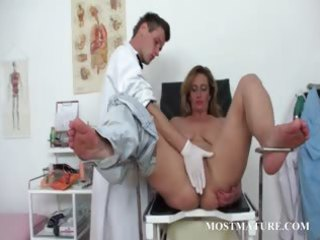 hairy aged cunt vibed at the doctor