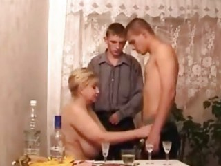 milfs in hot threesome act
