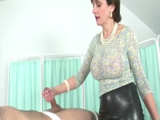 lady sonia in fishnet stockings lubes cock