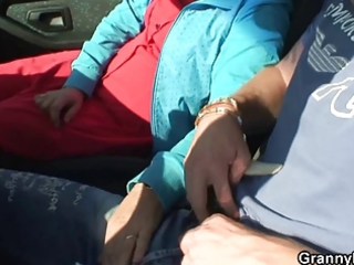 granny floozy is nailed in the car by a stranger