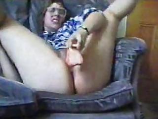 milf wit big ass goes mad wit dildo..