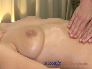 massage rooms milf curly pussy receives stretched