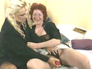 lesbiennes mamy aime mature aged porn granny old